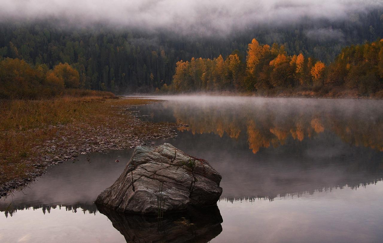 hiking-autumn-hygge